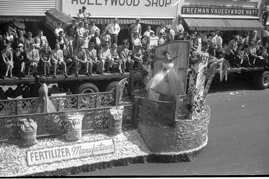 Dothan Alabama Fertilizer Manufacturers 1954 National Peanut Festival, photo by Judy Tatom