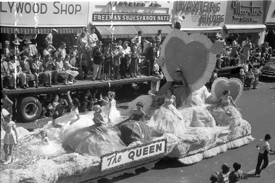 1954 National Peanut Festival Queen parade, photo by Judy Tatom