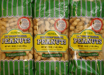 Hines raw Jumbo peanuts for boiling or roasting
