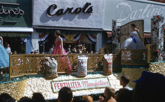 1954 National Peanut Festival Parade Fertilizer Manufactures, photo by Judy Tatom