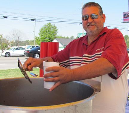 hot boiled peanuts alabama vendor trailer stand hwy 231 north dothan troy alabama